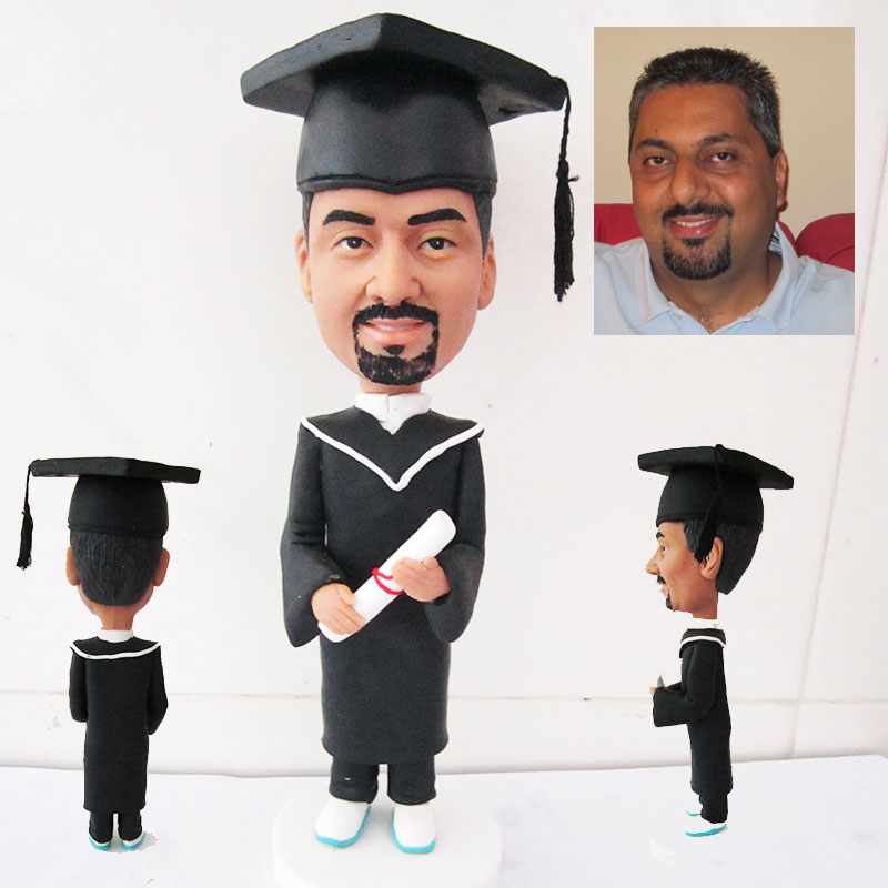 Graduation action custom figure