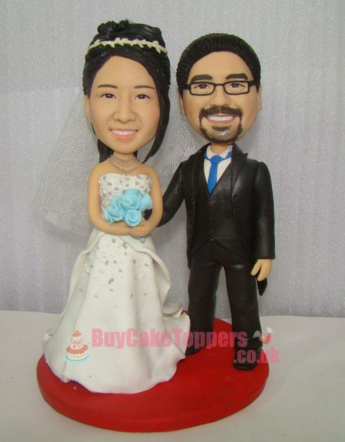 smelly couple wedding cake topper
