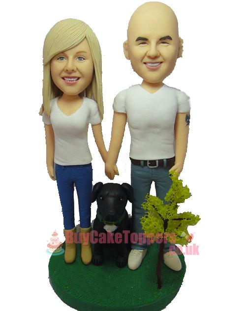 couple with doggy figurine
